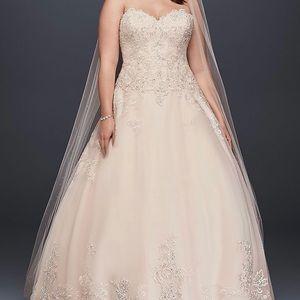 NWT JEWEL BY DAVIDS BRIDAL GOWN/ WEDDING DRESS